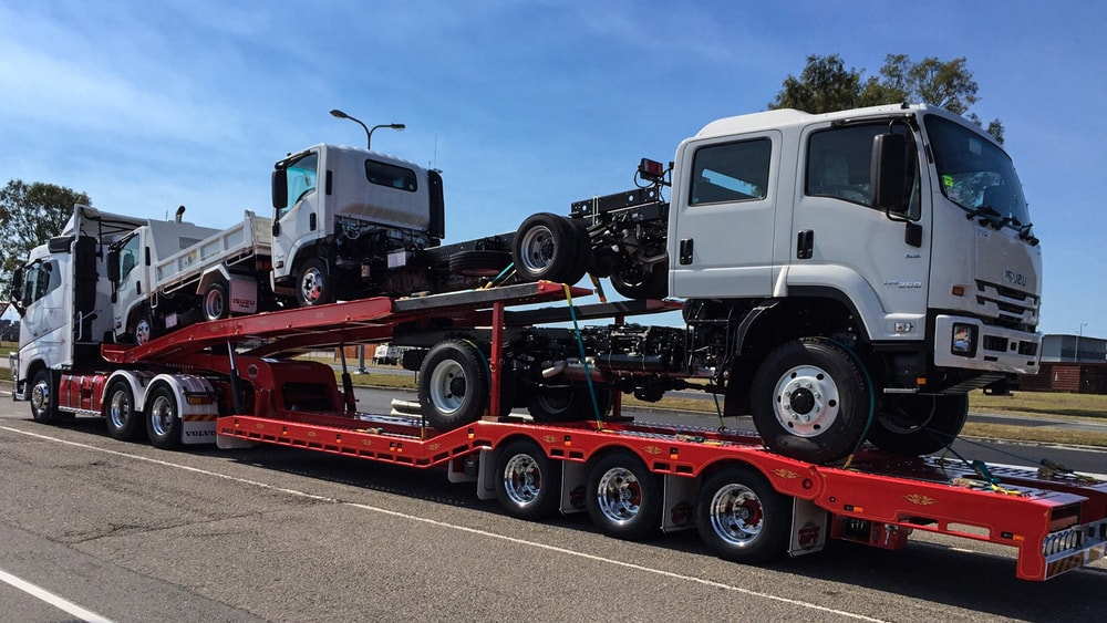 Traslado de trailers y suvs